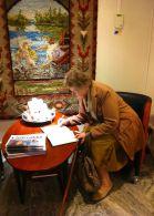 Annikki skriver i gästboken